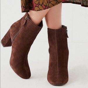 Urban Outfitters Sloane Bootie | 8